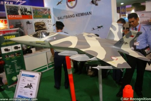 Indonesian_Aerospace_presents_IF-X_Block_I jet_fighter_project_at_IndoDefence_2014_640_002.jpg
