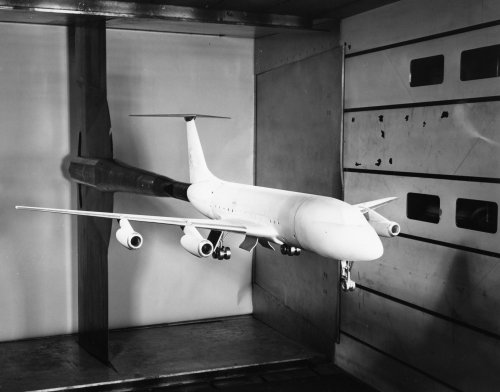 zConvair 880 Wind Tunnel Model with T-tail.jpg