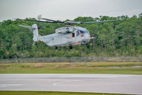 Sikorsky CH-53K King Stallion_first flight_20151027.jpg