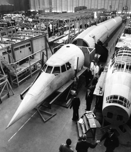 Concorde model aircraft from 1963.jpg