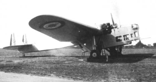 amiot150 with landing gear.jpg