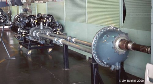 engine and propeller drive shaft.JPG