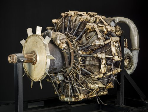 Mitsubishi Ha 42 Model 31 Fu (Ha 214 Fu), Radial 18 Engine front.jpg