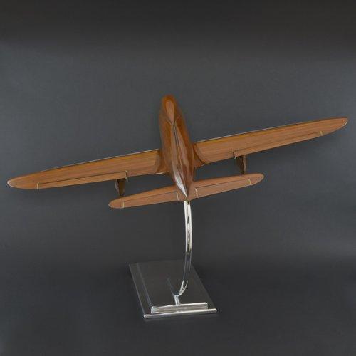 bentleys_aeronautical_walnut-wind-tunnel-model_04_2.jpg
