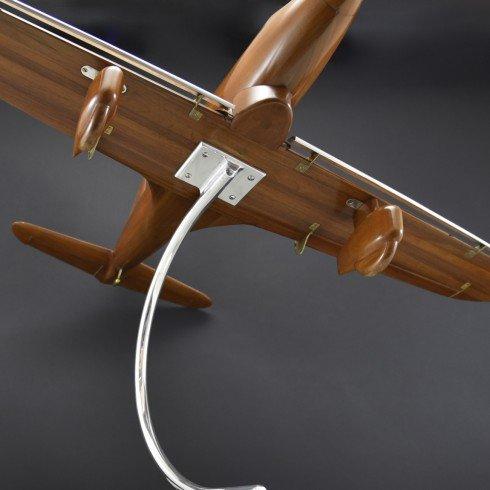 bentleys_aeronautical_walnut-wind-tunnel-model_07_2.jpg
