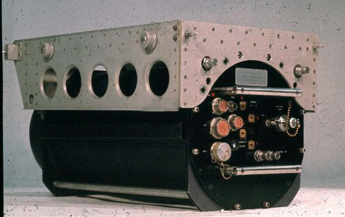 08 QER T-R unit in case with flight tray.jpg