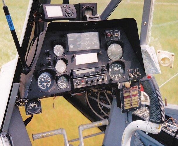 Load Ranger 2000 cockpit.jpg