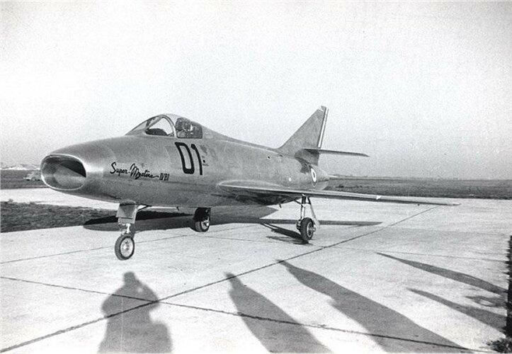 Dassault Super-Mystère B1 Melun-Villaroche 1955.jpg