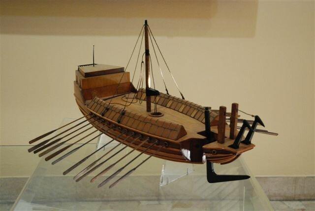 Leonardo_da_Vinci_-_ship_design.jpg