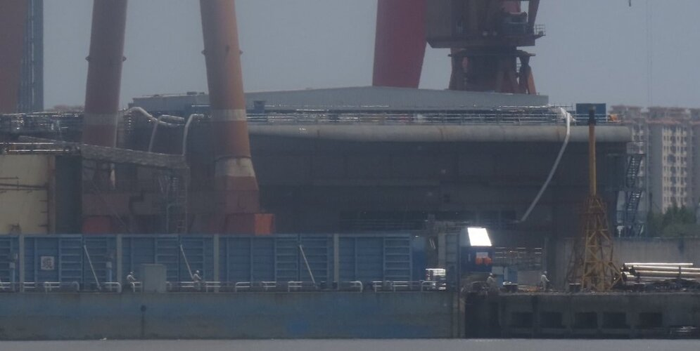 PLN Type 003 carrier - 20210521 riverside.jpg