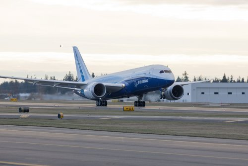 787 high-speed taxi test to rotation speed-small.jpg