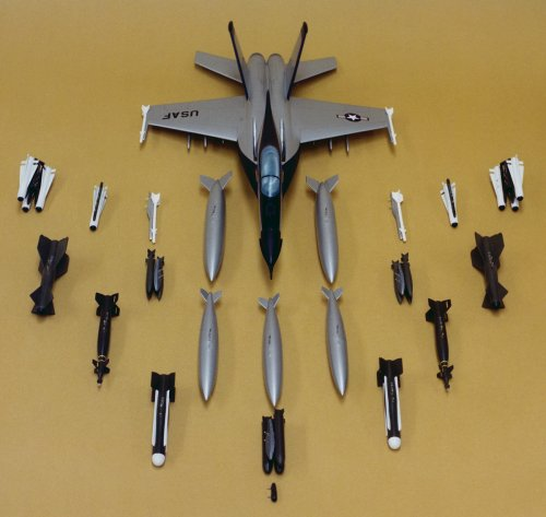 xYF-17 No1 model with loadouts.jpg
