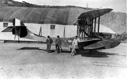 Donnet-Denhaut 150 hp flying boat in Arzew, 1918.jpg