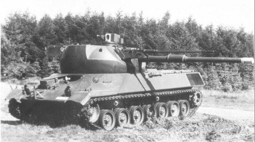 Leopard 1 prototype, with co-axial 20mm cannon.jpg