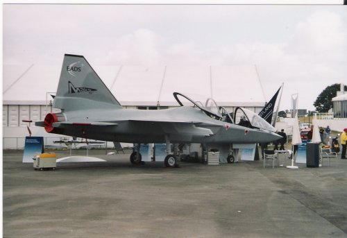EADS_Mako_Farnborough_2002_J17.jpg